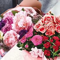 【2020年度版】母の日に贈る花の種類と花言葉|花束と鉢植えはどちらが人気?